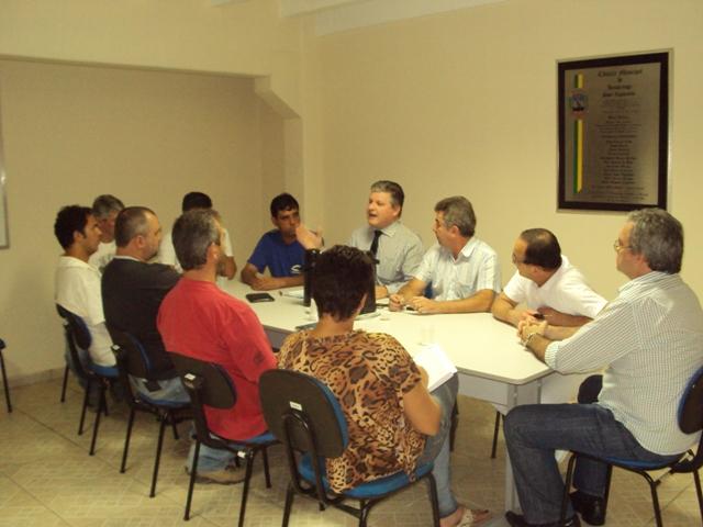 REUNIÃO DO PREFEITO MACEDO COM OS VEREADORES NA CÂMARA MUNICIPAL (29/01/2013)